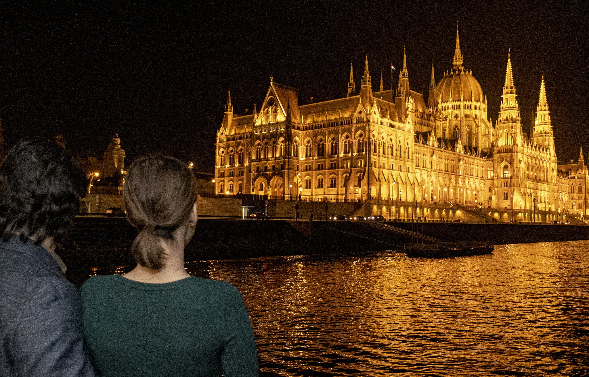 dinner cruise and parlieament hungary