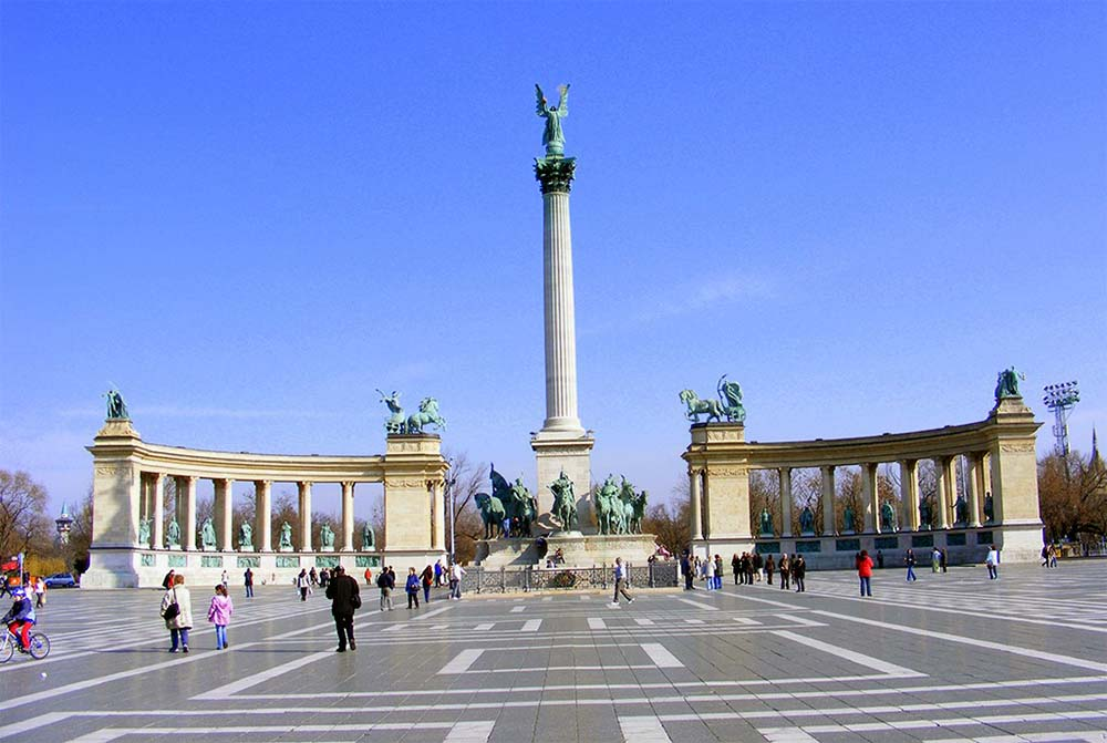 heroes square sightseeing trip hungary